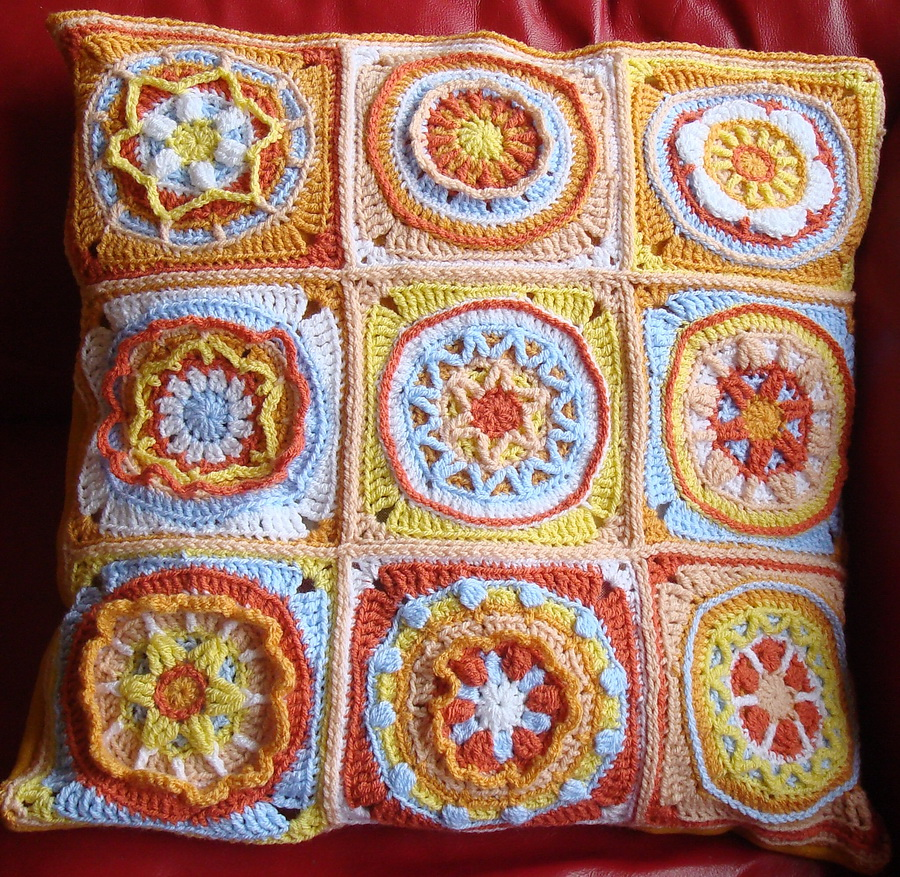 Cushion cover | Elzeblaadje